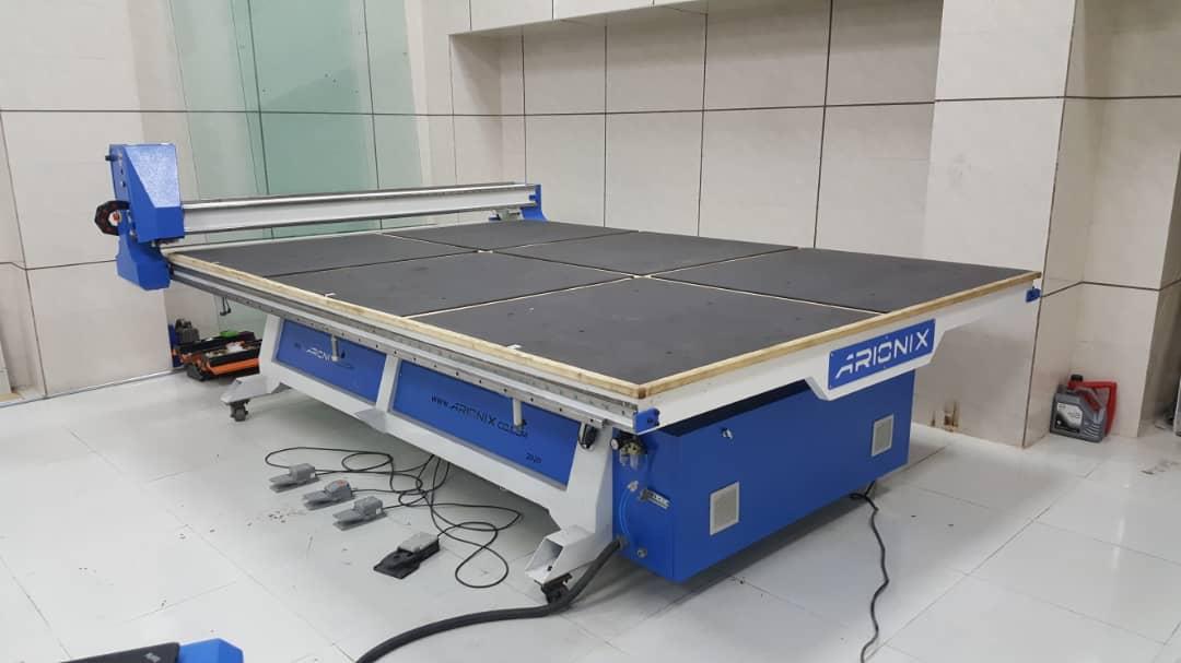 میز برش سی ان سی شیشه شرکت فنی و مهندسی آریونیکس